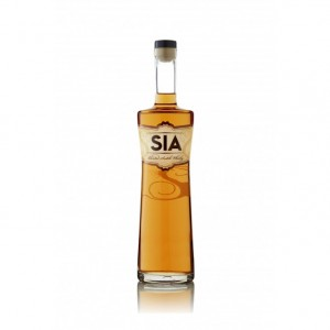 SIA_scotch_whisky_bottle_shot
