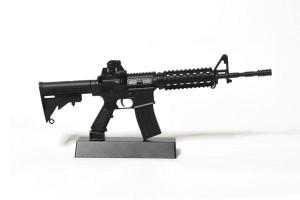 Replica-AR-15-Gun-Model_2048x2048