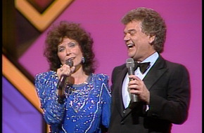 20th_CMA_Awards_Show_(1986)_-_Louisiana_Woman__Mississippi_Man_2