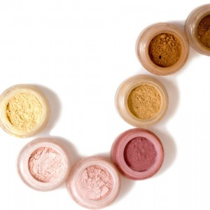 Free_Mineral_Makeup_Samples_Crop__22814.1537540538